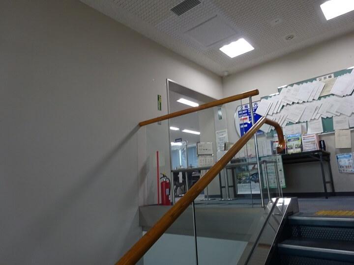 輸送担当2階への階段