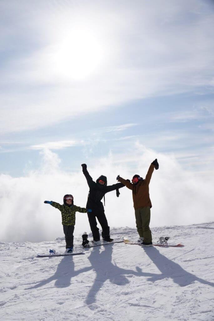 家族と雪山旅行